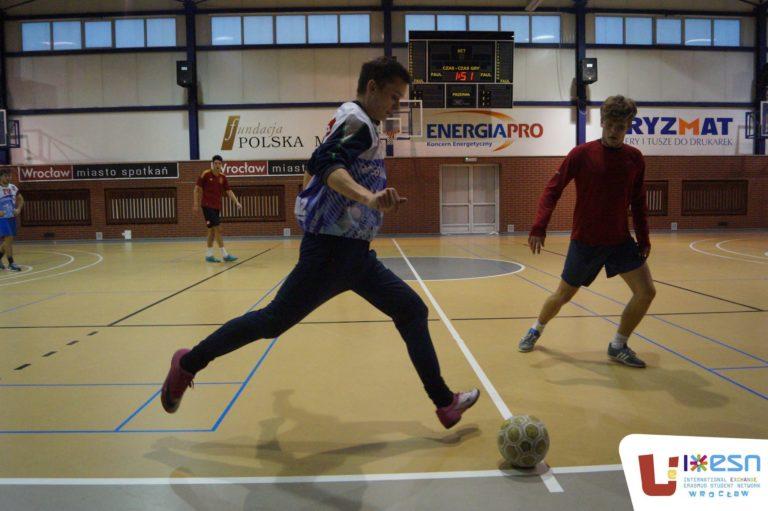 bieg za piłką